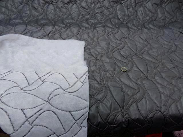Doublure matelassee gris chaud surpiquee de coutures 1