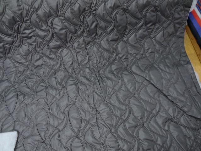 Doublure matelassee gris chaud surpiquee de coutures 2