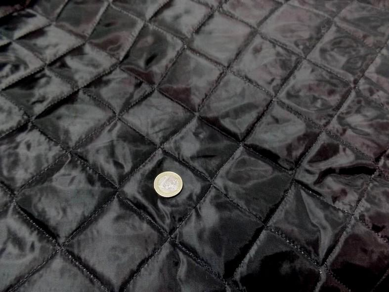 Doublure matelassee polyester noire couture carreaux 4