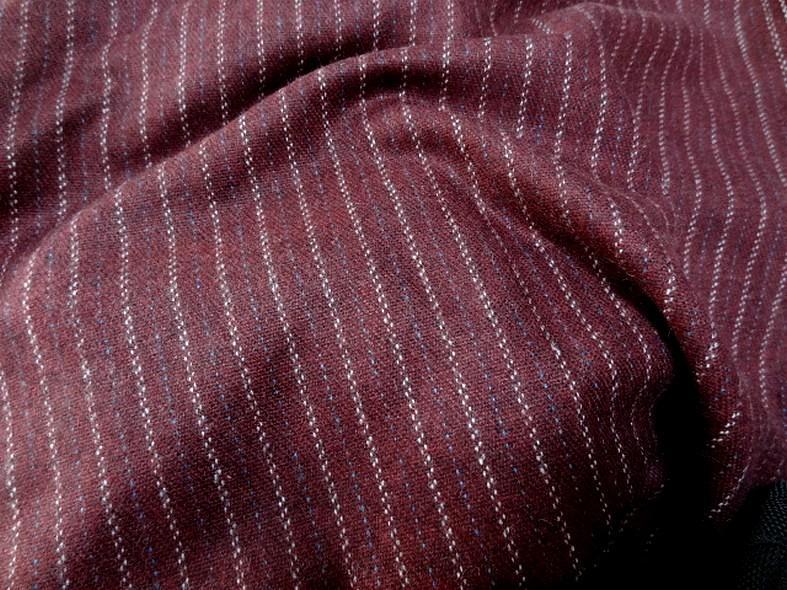 Drap de laine bordeaux fines rayures bleu ciel et blanc cassé