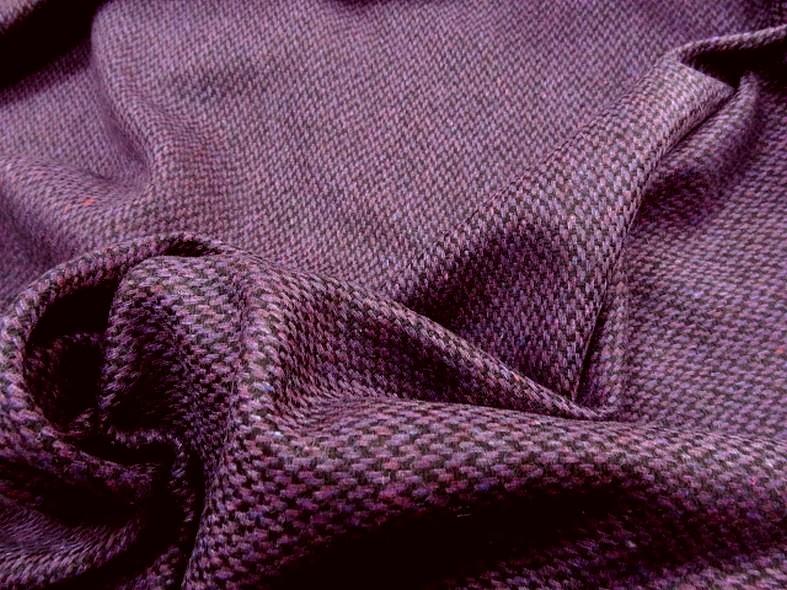Drap de laine motif tisse prune chine et noir 1