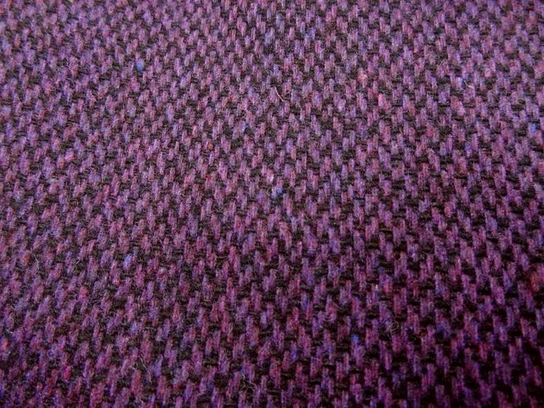 Drap de laine motif tisse prune chine et noir 2