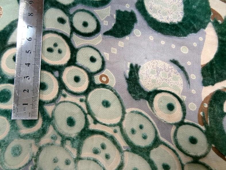 soie dévorée sur voile vert sapin 2