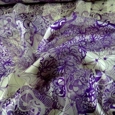 mousseline de soie semi-transparente fleurs vintage blanc et violet 06
