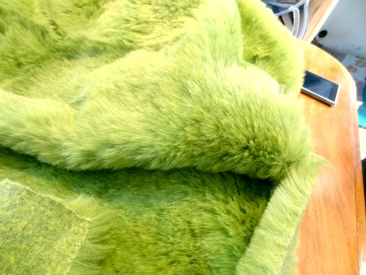 Fausse fourrure vert jaune 04