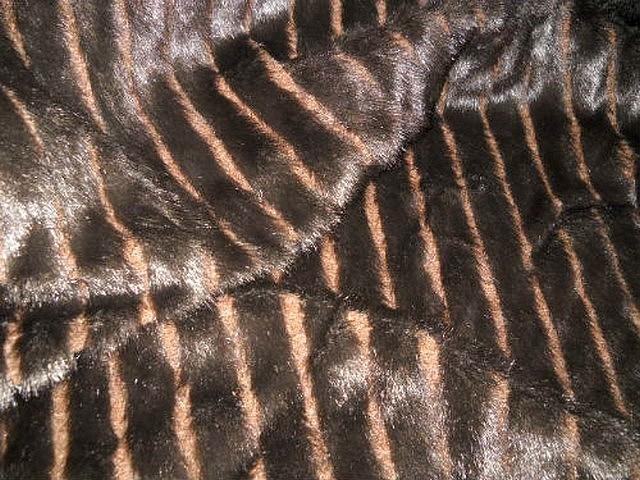 Fausse fourrure vison brun 1