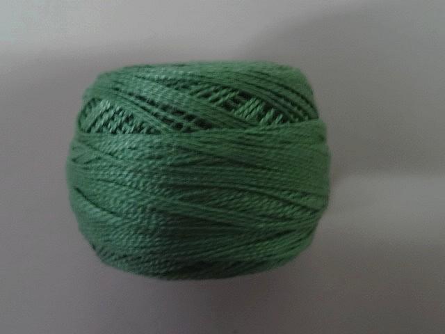 Fil coton perle dmc 320 vert lichen