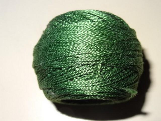 Fil coton perle dmc 3345 vert poireau 2