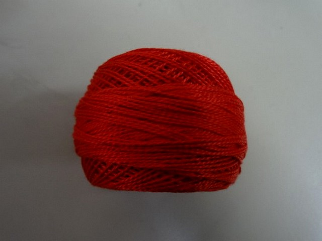Fil coton perle dmc 666 ecarlate 2