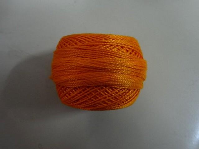 Fil coton perle dmc 740 orange 2