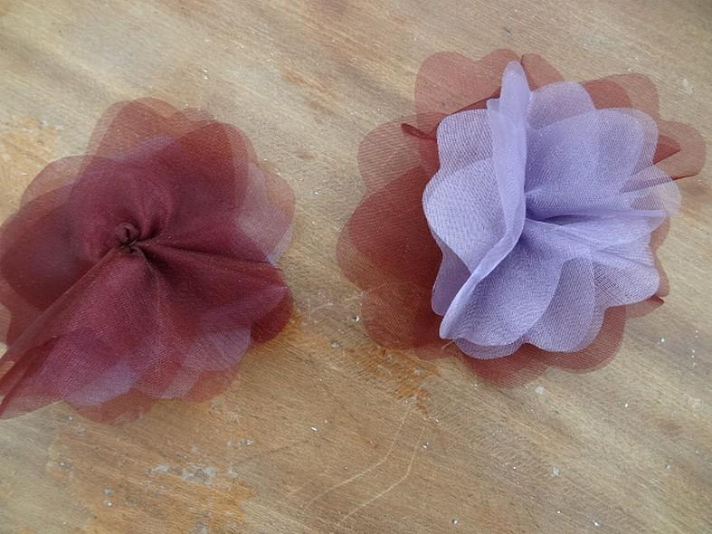 Fleur a coudre mousseline lie de vin orchidee 1