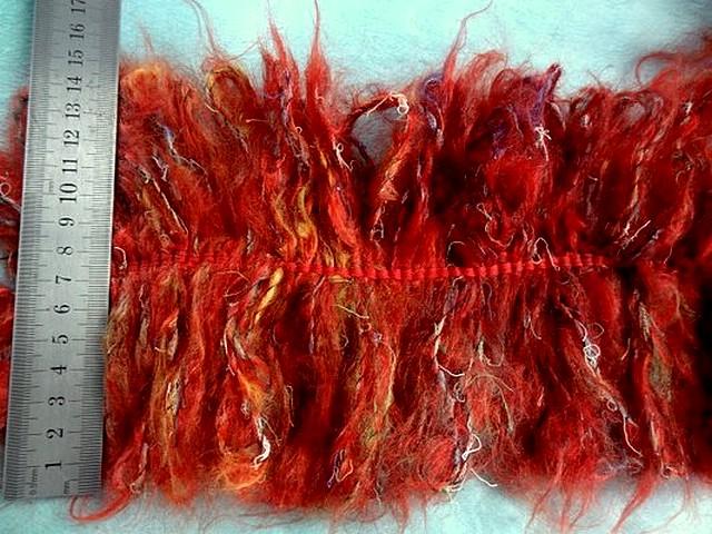 Frange double en laine bouclee rouge chine 2