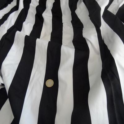 Gabardine coton lycra blanc-noir rayée 01