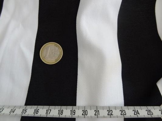 Gabardine coton lycra blanc-noir rayée 02