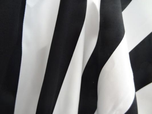 Gabardine coton lycra blanc-noir rayée 04