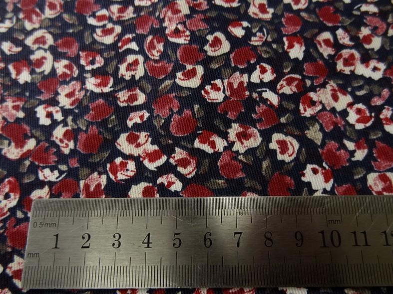Gabardine coton lycra bleu encre et petites roses 5