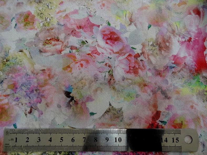 Gabardine coton lycra fleurs rose tendre et saumon 1
