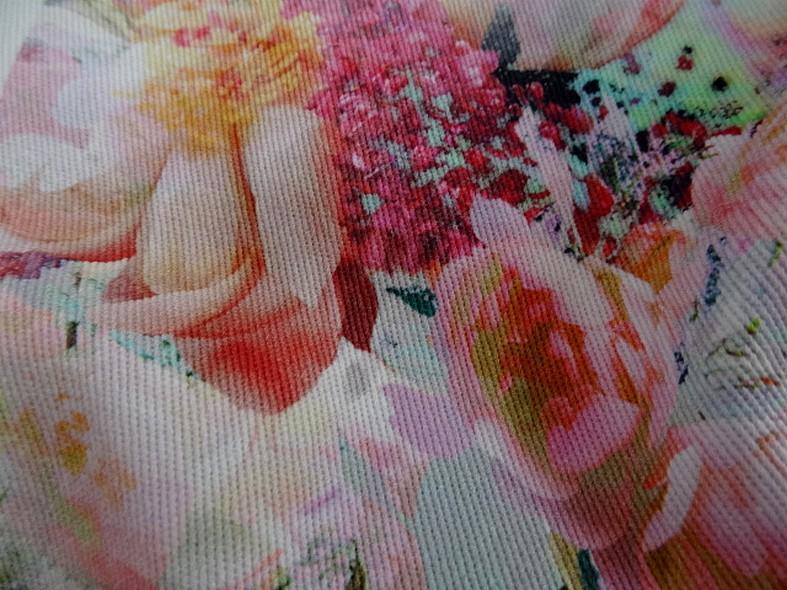 Gabardine coton lycra fleurs rose tendre et saumon 2