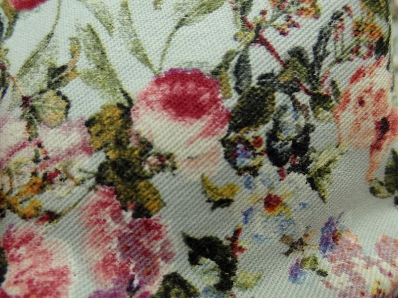 Gabardine coton lycra fond bleu azurin fleurs liberty 4