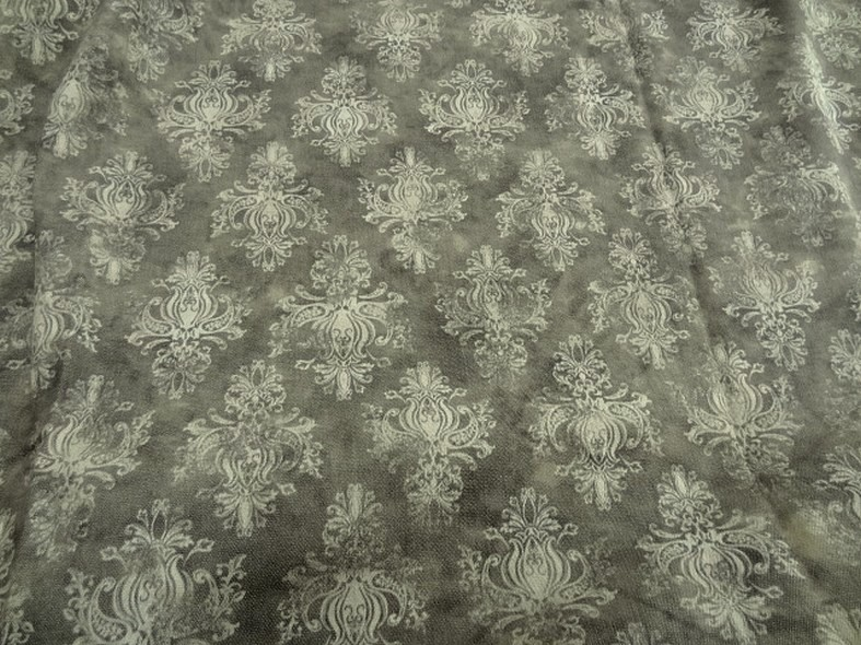 Gabardine taupe marbree motif baroque 1