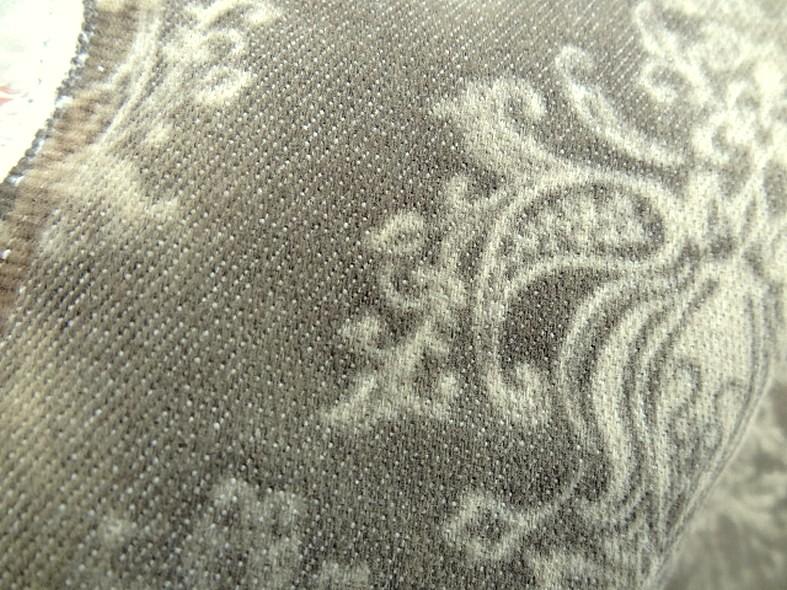 Gabardine taupe marbree motif baroque 4
