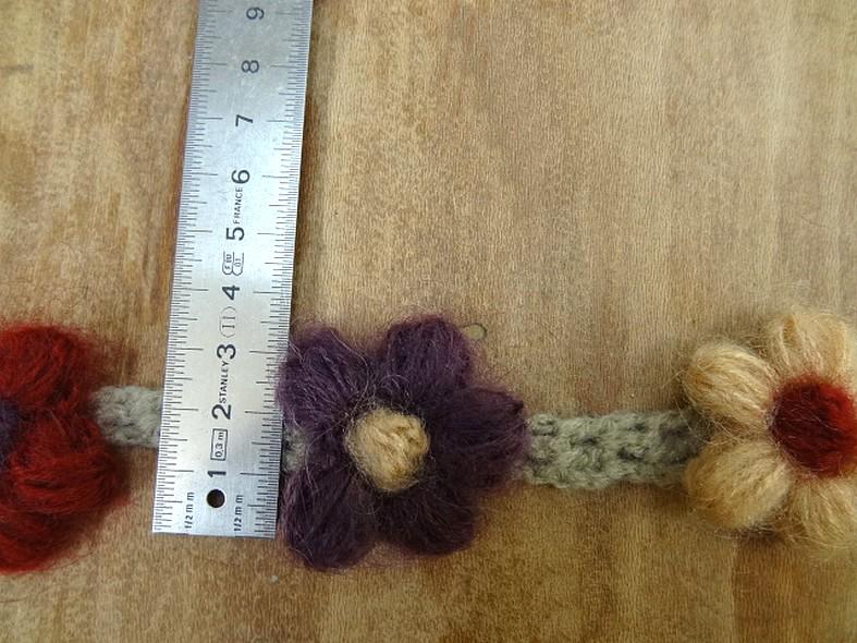 Galon chaine de fleurs en laine et coton 2