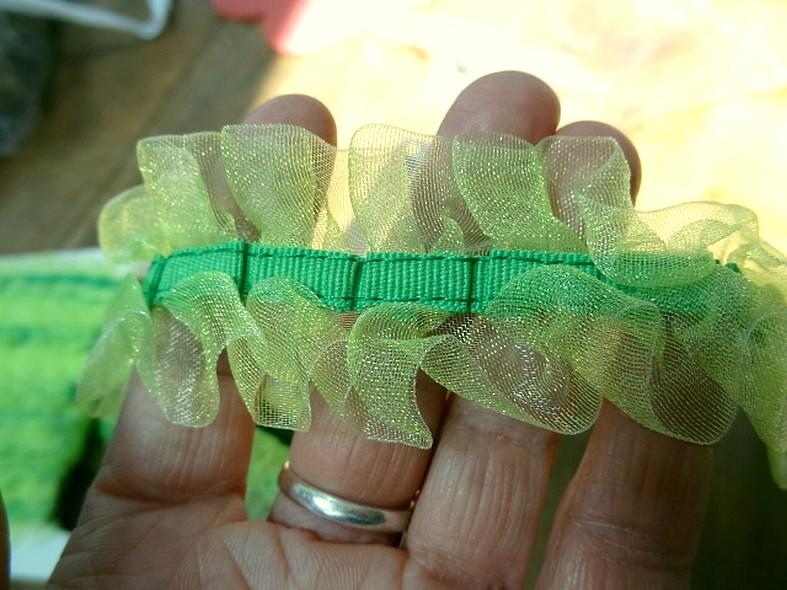 Galon d organza bouillonnant vert anis 3