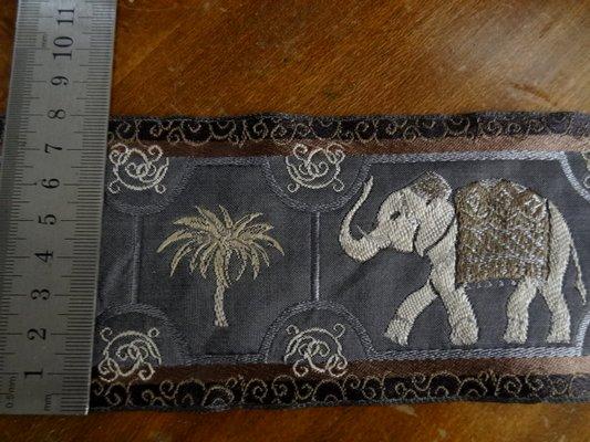 Galon éléphant palmier 02