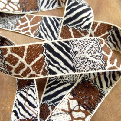 Galon patchwork animaux blanc casse noir moka 1
