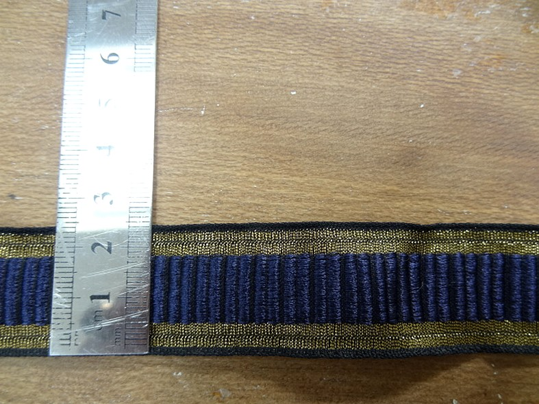 Galon type gros grain bleu indigo borde de lame vieil or 2