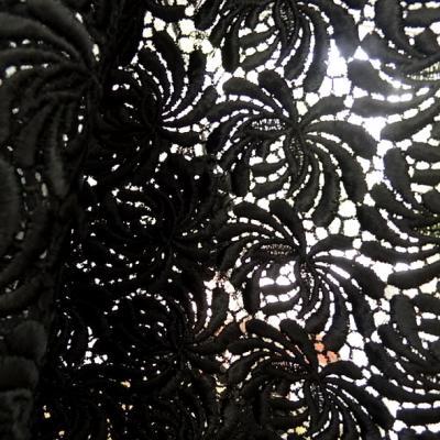 Guipure noire épaisse petite lèse finition bourdon
