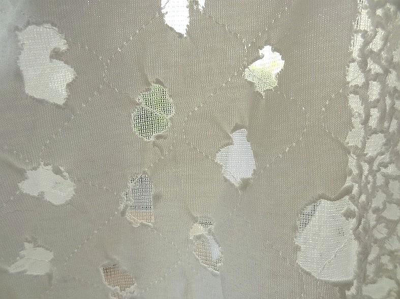 Jersey blanc facon grunge sur resille 3