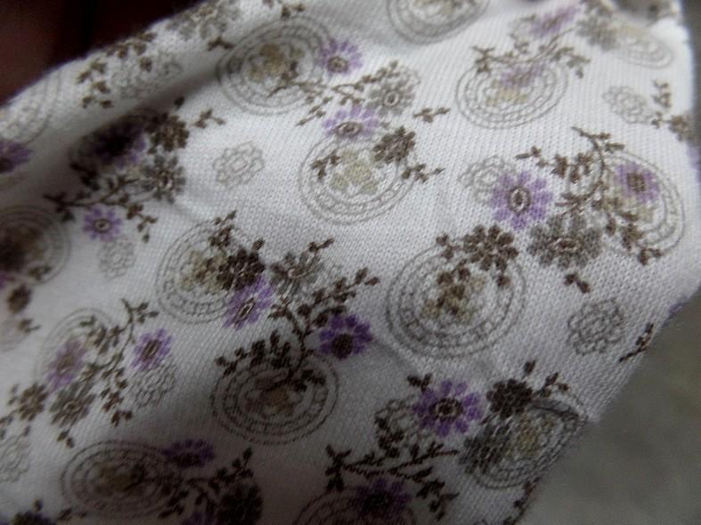 Jersey coton blanc casse petites fleurs lilas 3