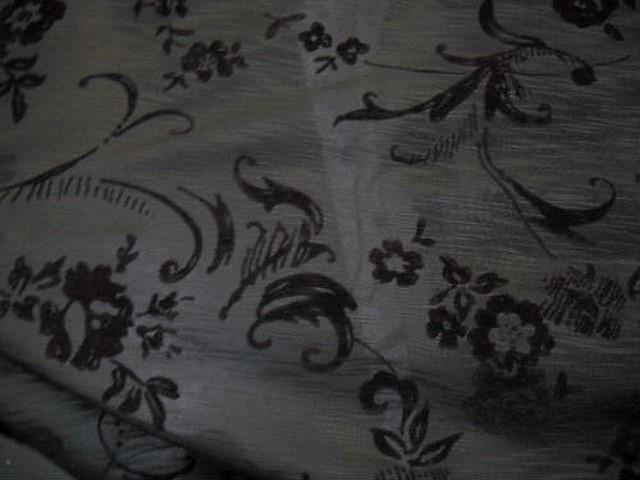 Jersey coton gris motif fleuri taupe 3