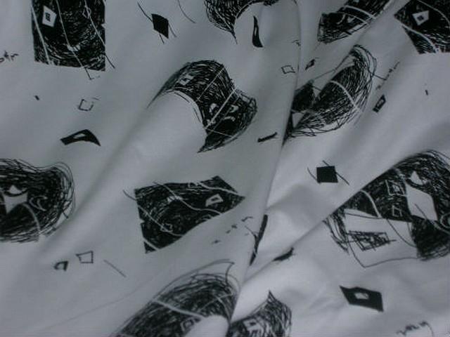 Jersey coton lycra blanc motifs crayonnes noir 3