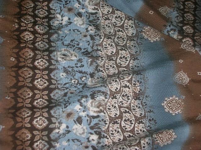 Jersey coton motif frise et fleurs noisette celadon