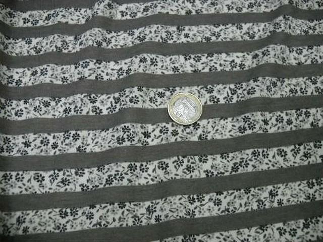 Jersey coton raye gris et fleurs liberty 1