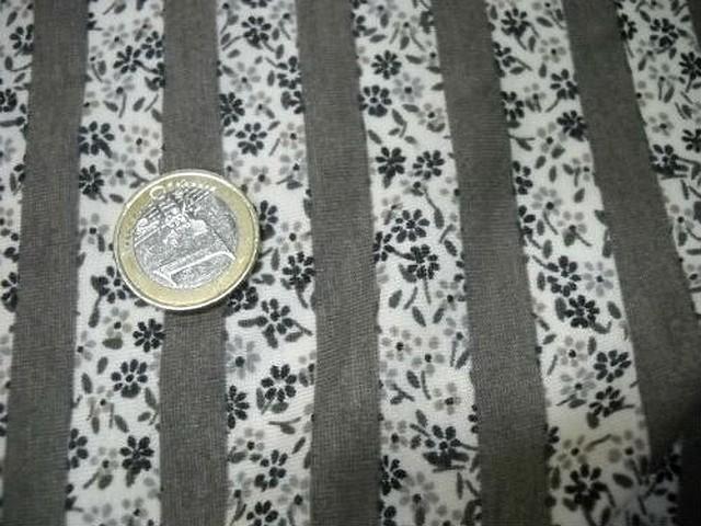 Jersey coton raye gris et fleurs liberty 2