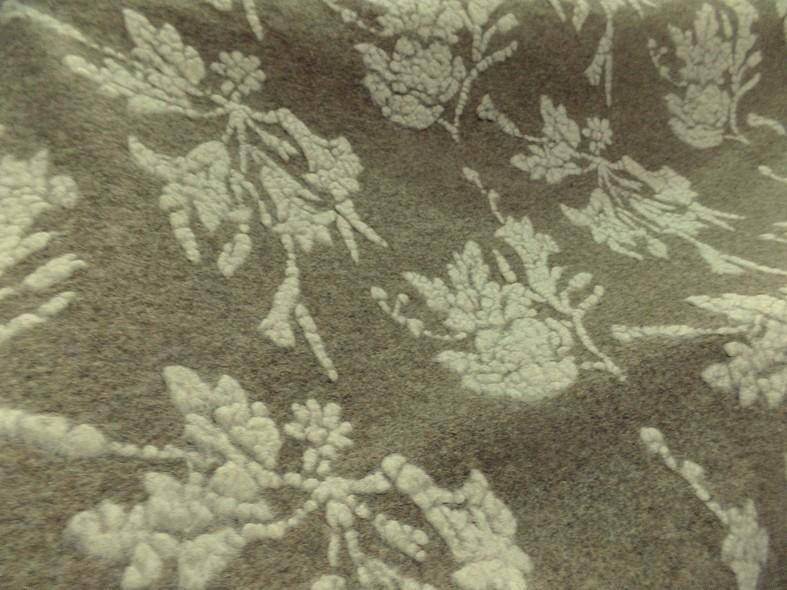Jersey de laine aspect laine cardee beige chine fleuri ecru 1