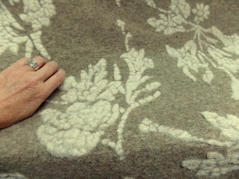 Jersey de laine aspect laine cardee beige chine fleuri ecru 5