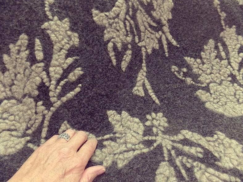 Jersey de laine aspect laine cardee brun chine fleuri sable 11 1