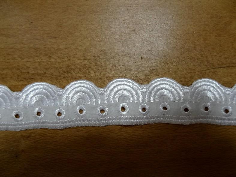 Jersey dentelle brodee blanche elasthanne 5