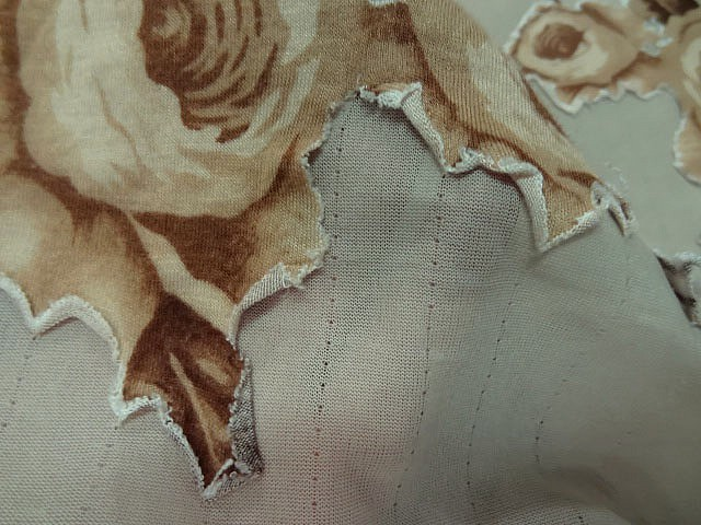 Jersey lycra sable roses decoupees sepia 3