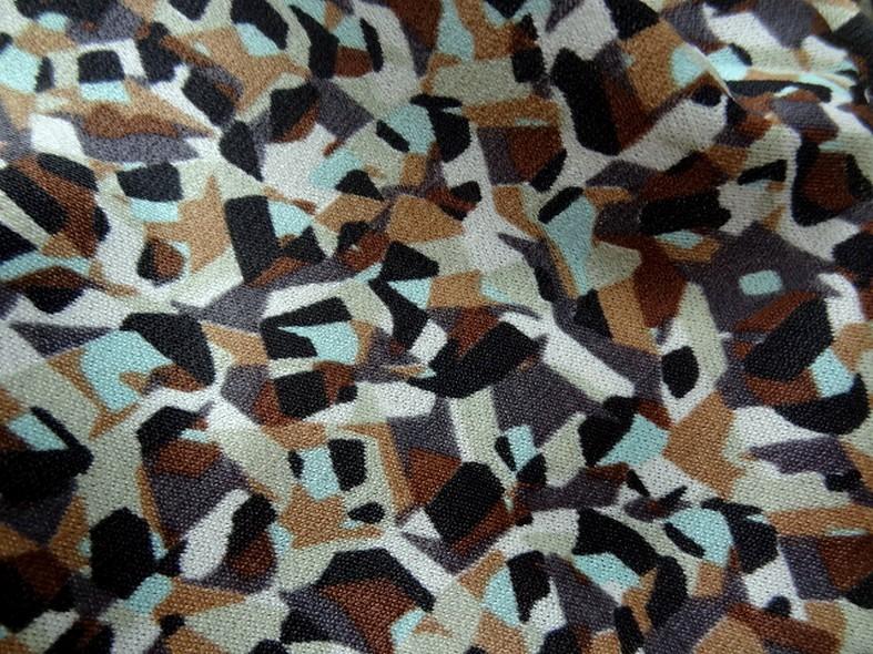 Jersey polyester motif abstrait vintage noisette et bleu givre 4
