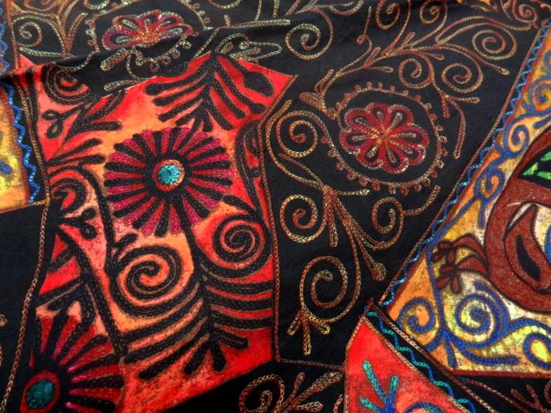 Jersey pur coton noir motifs naifs africains colores 3