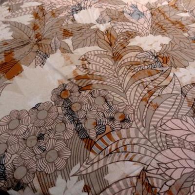 Jersey viscose coton fond blanc casse fleurs art deco 1 1