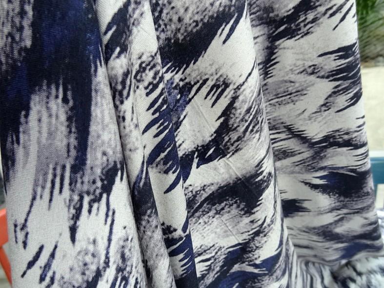 Jersey viscose lycra abstrait bleu outremer noir gris 3