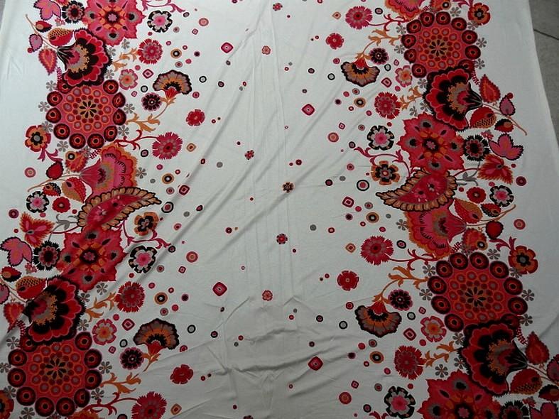 Jersey viscose motif floral folklorique