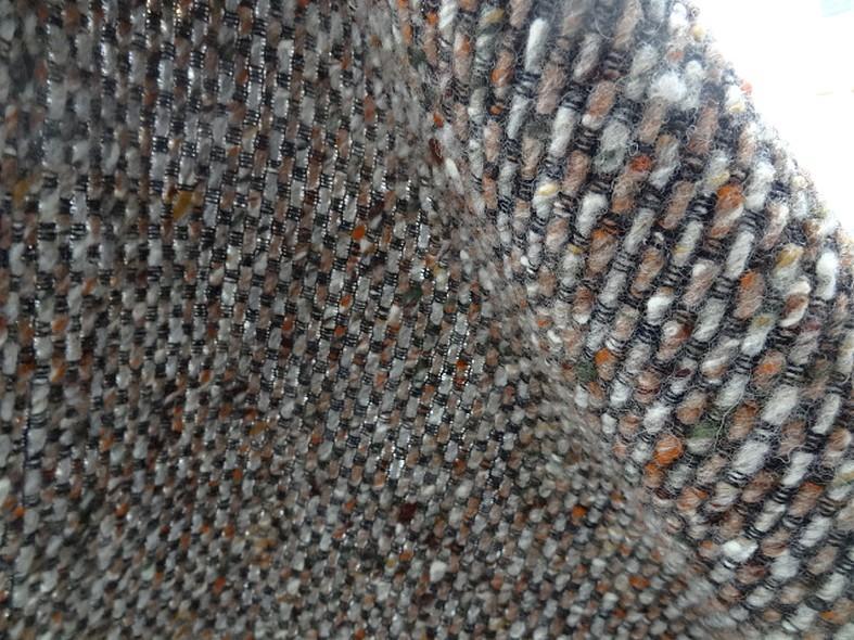 Lainage en fils laine cardée taupe ocre brun