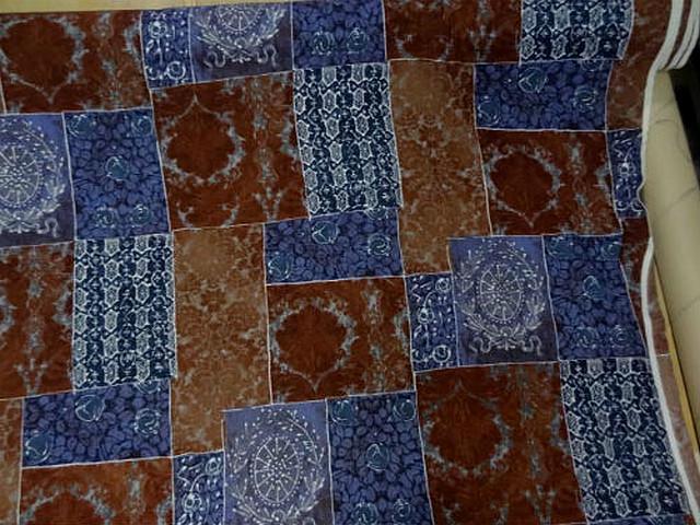 Lainage leger motif patchwork caramel bleu denim 3